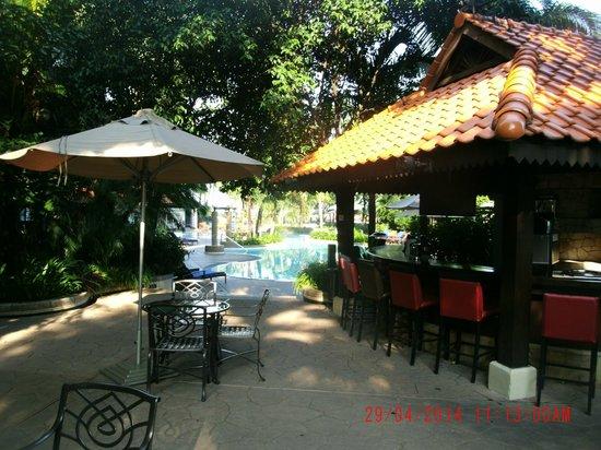 Le Meridien Kuala Lumpur: Pool Bar