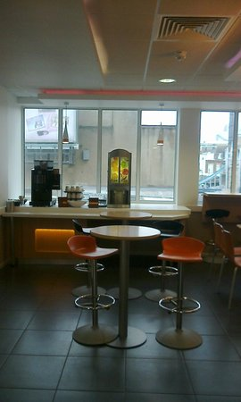 Hotel ibis budget London Whitechapel - Brick Lane: sala colazione