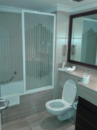 Sonesta Hotel, Tower & Casino Cairo : bathroom