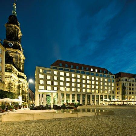 NH Collection Dresden Altmarkt: Facade