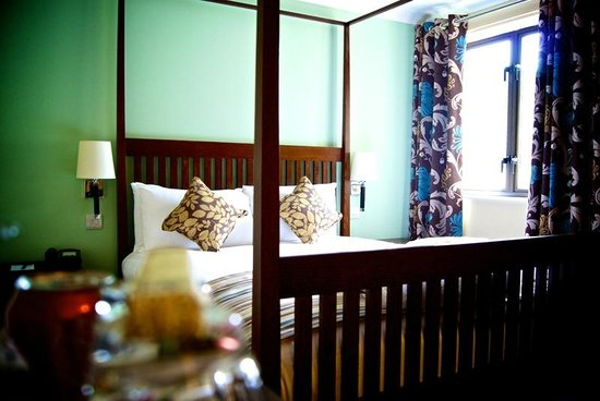 Oxford Witney Hotel: Four Poster Bedroom