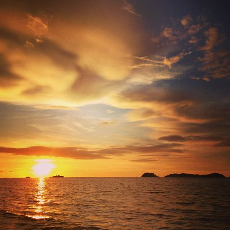 Langkah Syabas Beach Resort : Sunset