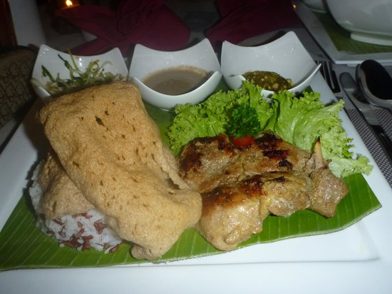 Llawa The Dining Lounge: Coconut chicken