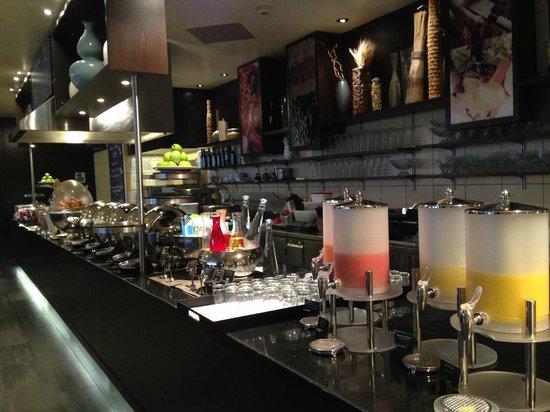 Mövenpick Hotel Lausanne: Breakfast