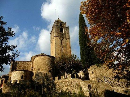 Sant Llorenc de la Muga, Spain: Església de Sant Llorenç / Church of Sant Llorenç