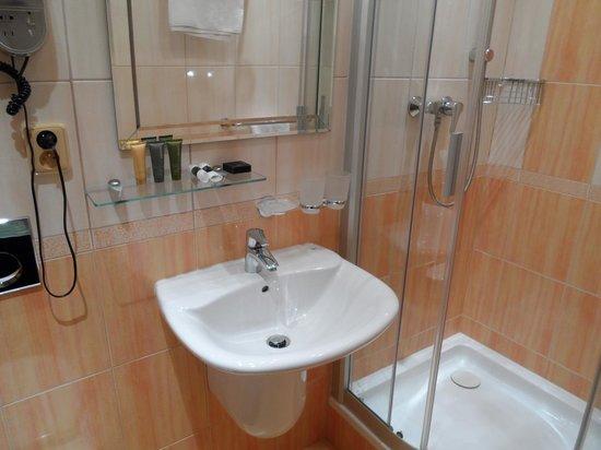 Askania : Bath