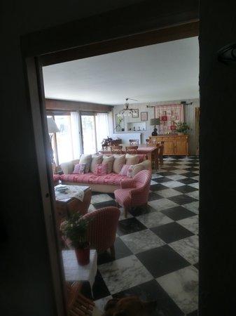 Le Grand Chalet : le salon/salle à manger