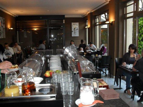 Flanders Hotel: Breakfast
