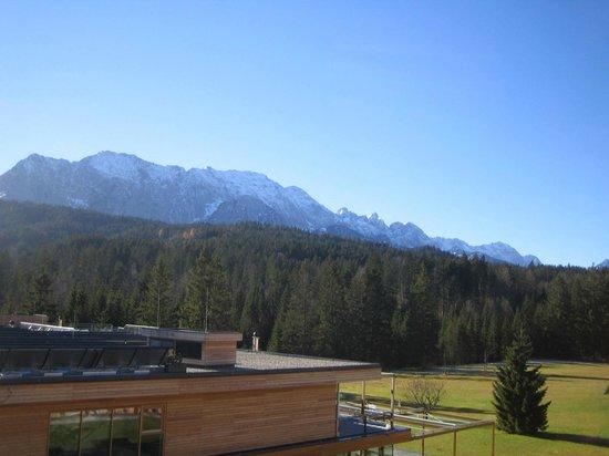 Das Kranzbach: Blick auf das Bad und die wunderschöne Umgebung