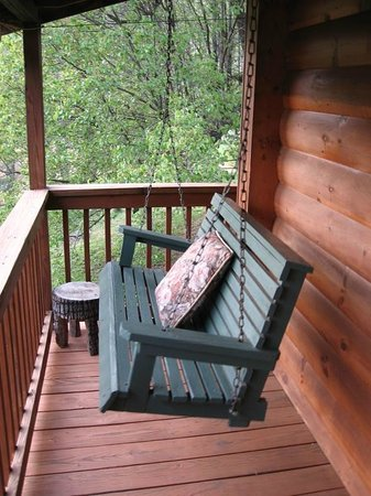 Mountain Springs Cabins : Back Porch Swing
