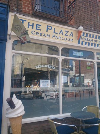 The Plaza Ices - The Plaza Ice Cream Parlour: The plaza