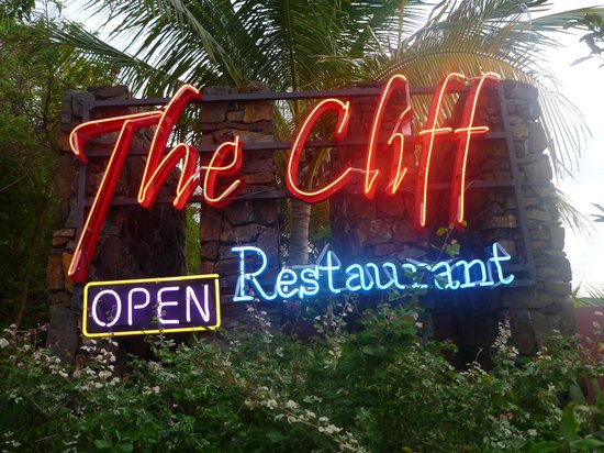 The Cliff Restaurant & Bar: Facade