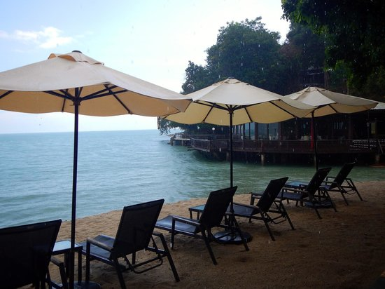 Century Langkawi Beach Resort: There are so many places to chill out here and have romantic moments with your loved one