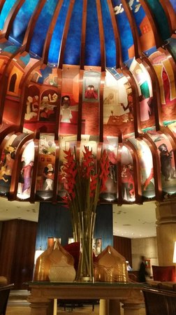 ITC Maurya, New Delhi: Lobby High Cielings nicely decorated