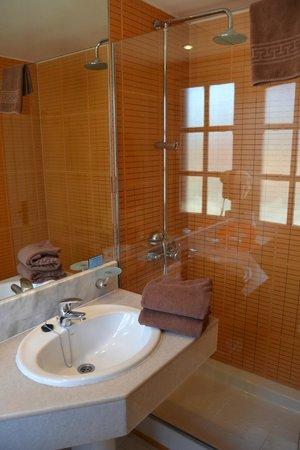 Fuentepark Apartamentos: Baño