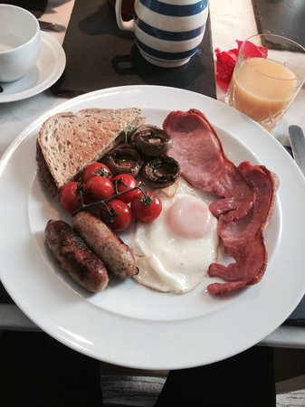 Brigydon: Beautiful full English