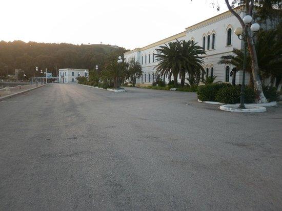 Hotel Miramare: lakki place