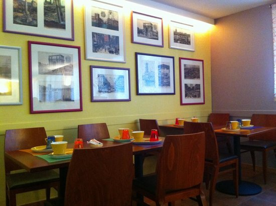 Ibis Styles Marseille Castellane: Salle du petit déjeuner