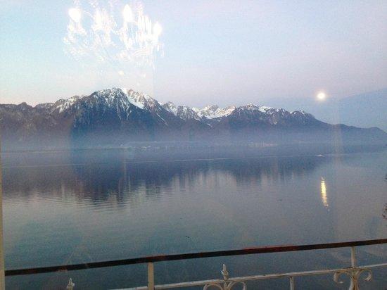 Eden Palace au Lac : Lake Geneva  & Alps