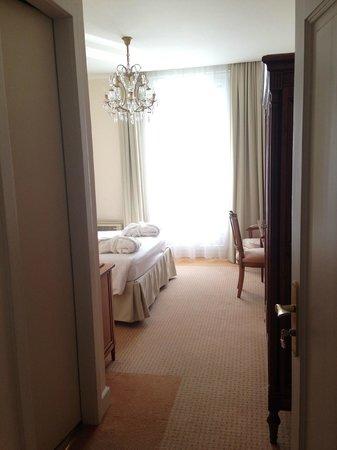 Eden Palace au Lac : Our room