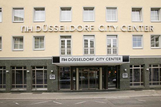 NH Düsseldorf Königsallee: Facade