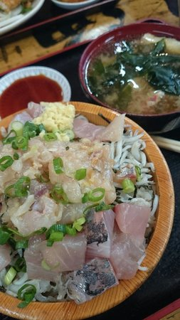 Takamarusengyoten: Absolutely delicious & satisfying... I think this set are only available for lunch, ¥840 ++ if I
