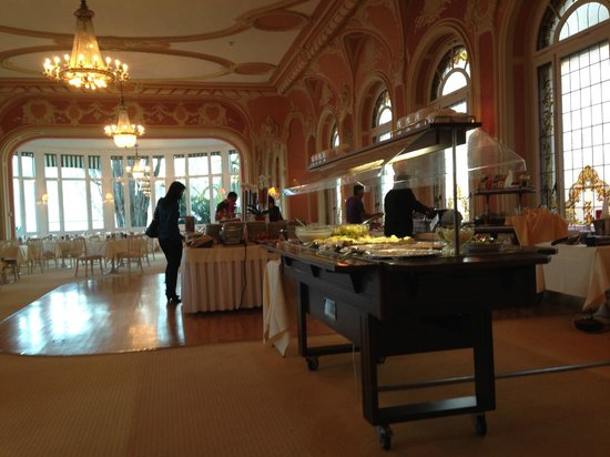 Eden Palace au Lac: Breakfast