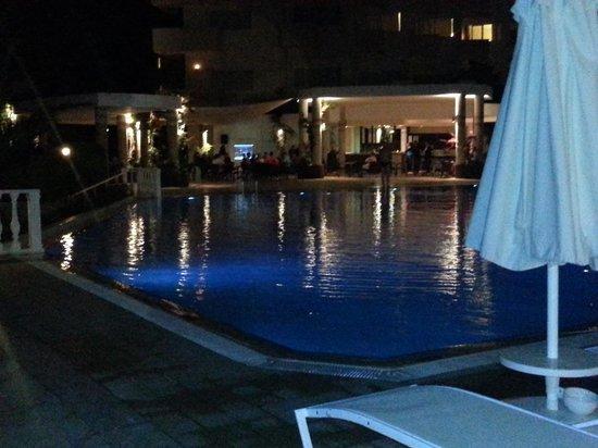 Marmaris Resort & SPA: marmaris resort pool bar