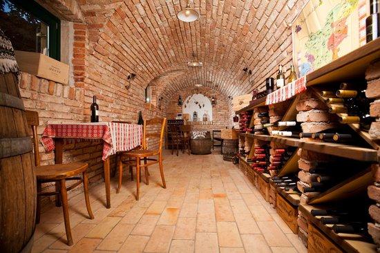 Hotel Triglav Bled: Wine cellar