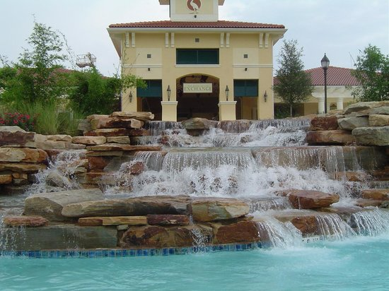 Holiday Inn Club Vacations At Orange Lake Resort : Waterfall in the Lazy River