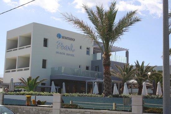 SENTIDO Pearl Beach: facade