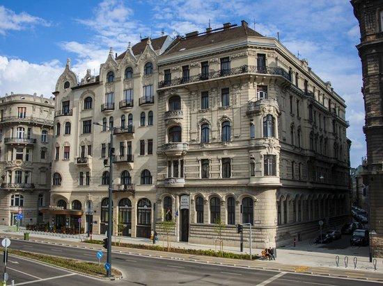 City Hotel Matyas: City Hotel Mátyás building