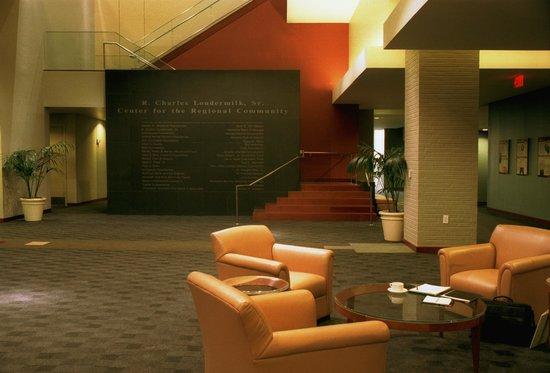 Loudermilk Conference Center: Center Lobby