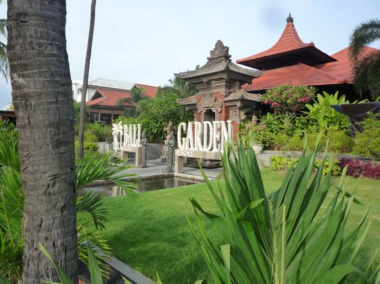 Bali Garden Beach Resort: エントランス