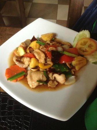 Karon Beach: очень вкусные блюда в местных кафе