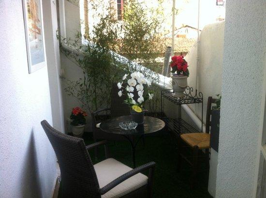 Hotel Carolina: Terrasse