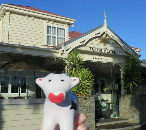 Tuakau Hotel and its mascot, Tua