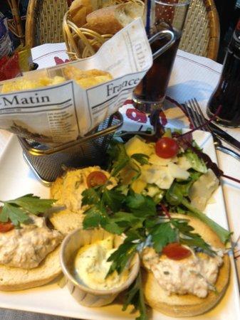 Les Marronniers: Salade au thon