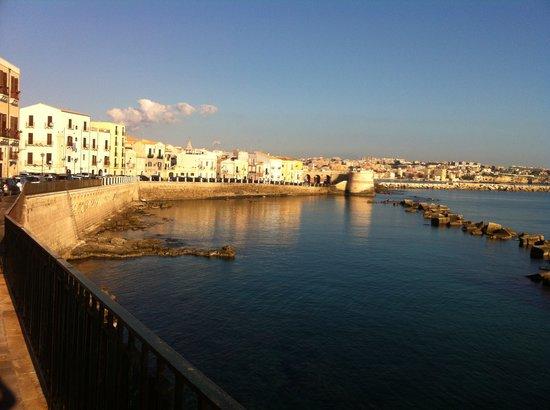 Lungomare di levante picture of ortigia sea view b b for Hotels in siracusa ortigia