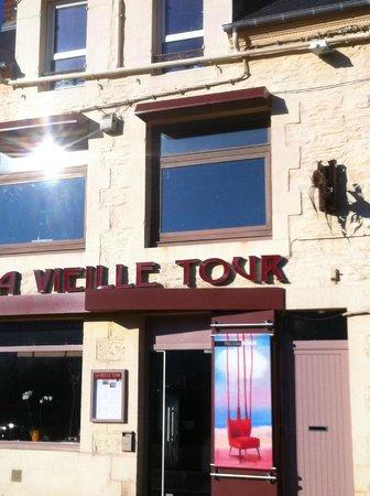 La Vieille Tour : l'entrée