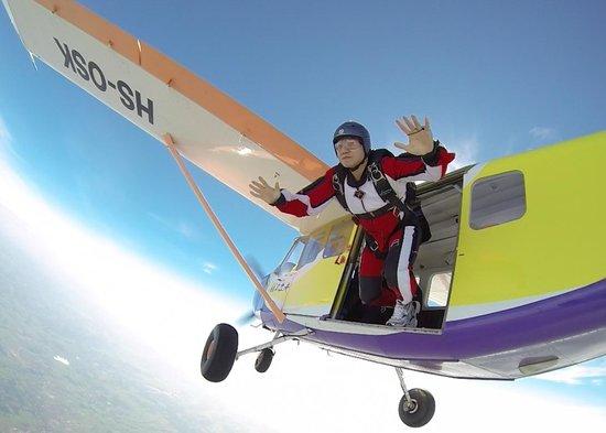 Bird's Paradise Skydiving: Jump!