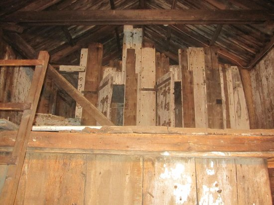 Barnstable Village's  Ghost Hunter's Tour: Barnstable old jail - cells