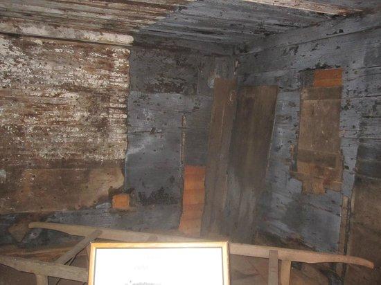 Barnstable Village's  Ghost Hunter's Tour: Barnstable old jail