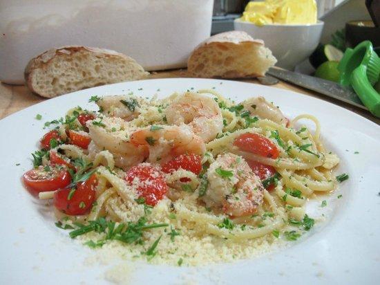 Flynn's Restaurant: Linguine with Prawns