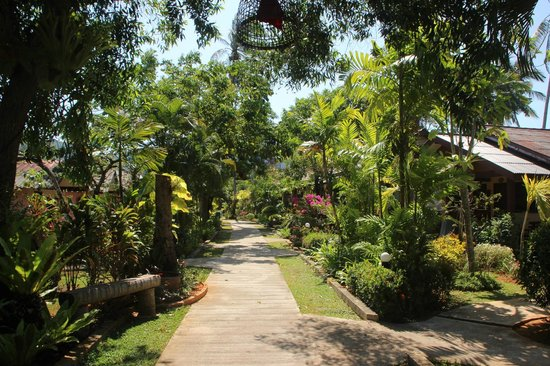 Noppharat Resort: Les jardins