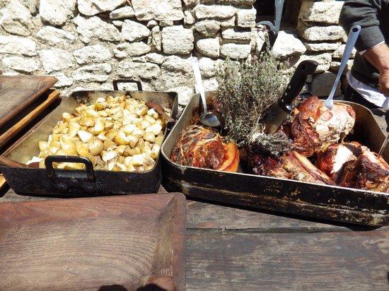 La Ferme du Castelas : plat de viande