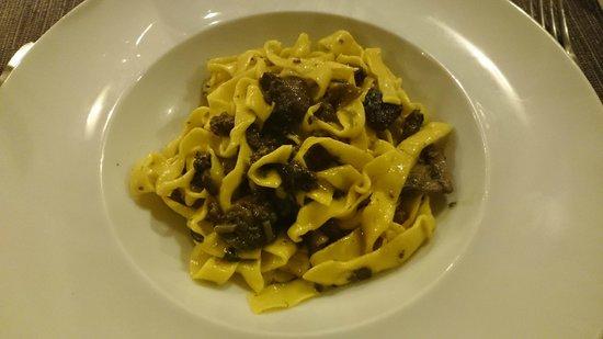 Trattoria La Rustica : キノコのタリアテッレ