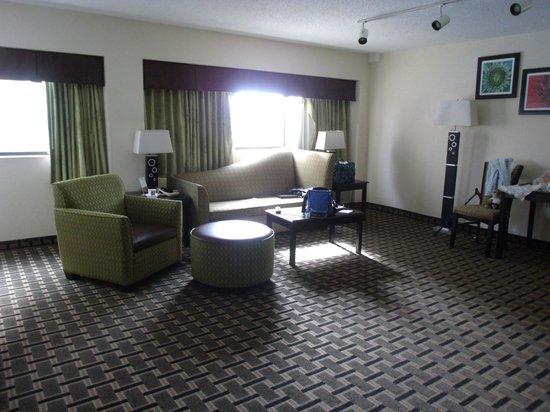 Comfort Inn Downtown Charleston: Living half of our room