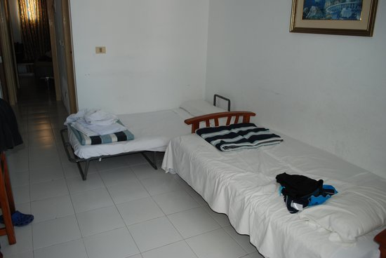Globales Costa Tropical: Added Additional Bed
