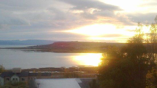 Solares Del Sur: Vista del amanecer desde la cabaña
